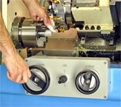 Dual Electronic Lathe Handwheels allow for faster easier setup.